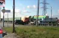 Compilations d'accidents de camions 2013 Voyez les pires accidents
