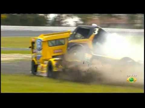 Formula Truck Brésilien 2011 Big crash Curitiba