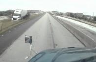 Spectaculaire accident sur une autoroute américaine au Texas