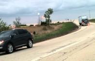 Un automobiliste qui décide de couper un camionneur sans penser un instant à la vitesse du camion…
